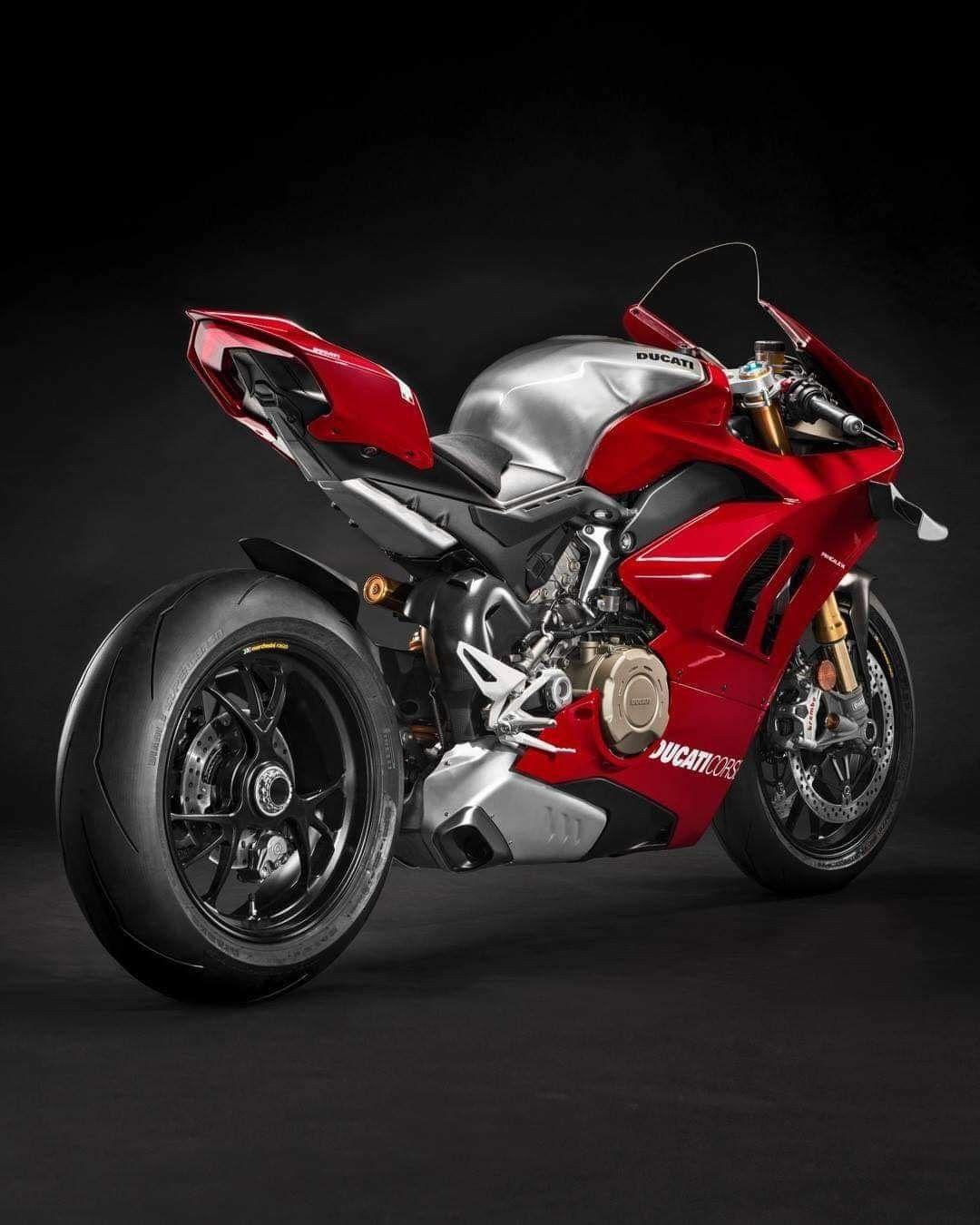 Pin By Enzoso On Ducati Ducati Panigale Ducati Superbike Ducati