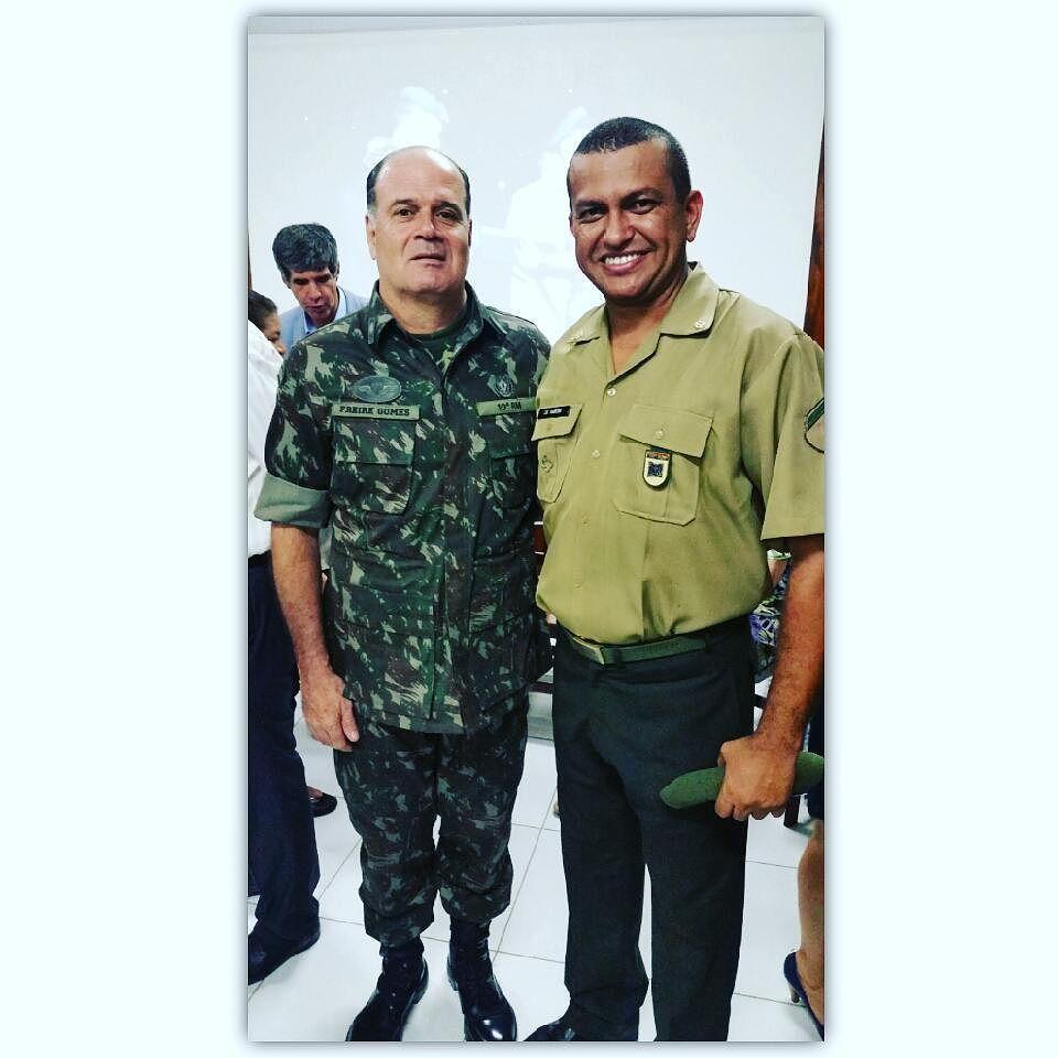 General de divisão Marcos Antônio Freire Gomes Comandante da ...
