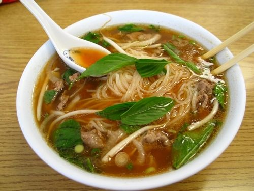 FOODIE: HOW TO MAKE VIETNAMESE PHO Ingredients: 4 quarts beef broth 1 large onion, sliced 6 slices fresh ginger root 1 lemon grass 1 cinnamon stick 1 tsp. whole black peppercorns 1 pound sirloin tip, cut extremely thin 16 oz. packages of dried rice noodles 1/2 tbps. hot pepper sauce 3 tbps. fish sauce