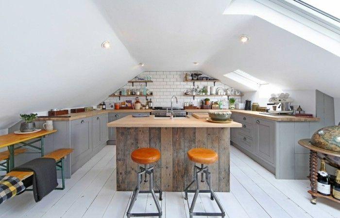 Küchen Für Dachgeschosswohnungen. blick auf die offene kueche und ...