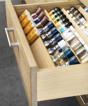 handig opbergsysteem voor kruidenpotjes keukens zwiers meubelmakerij handig pinterest. Black Bedroom Furniture Sets. Home Design Ideas