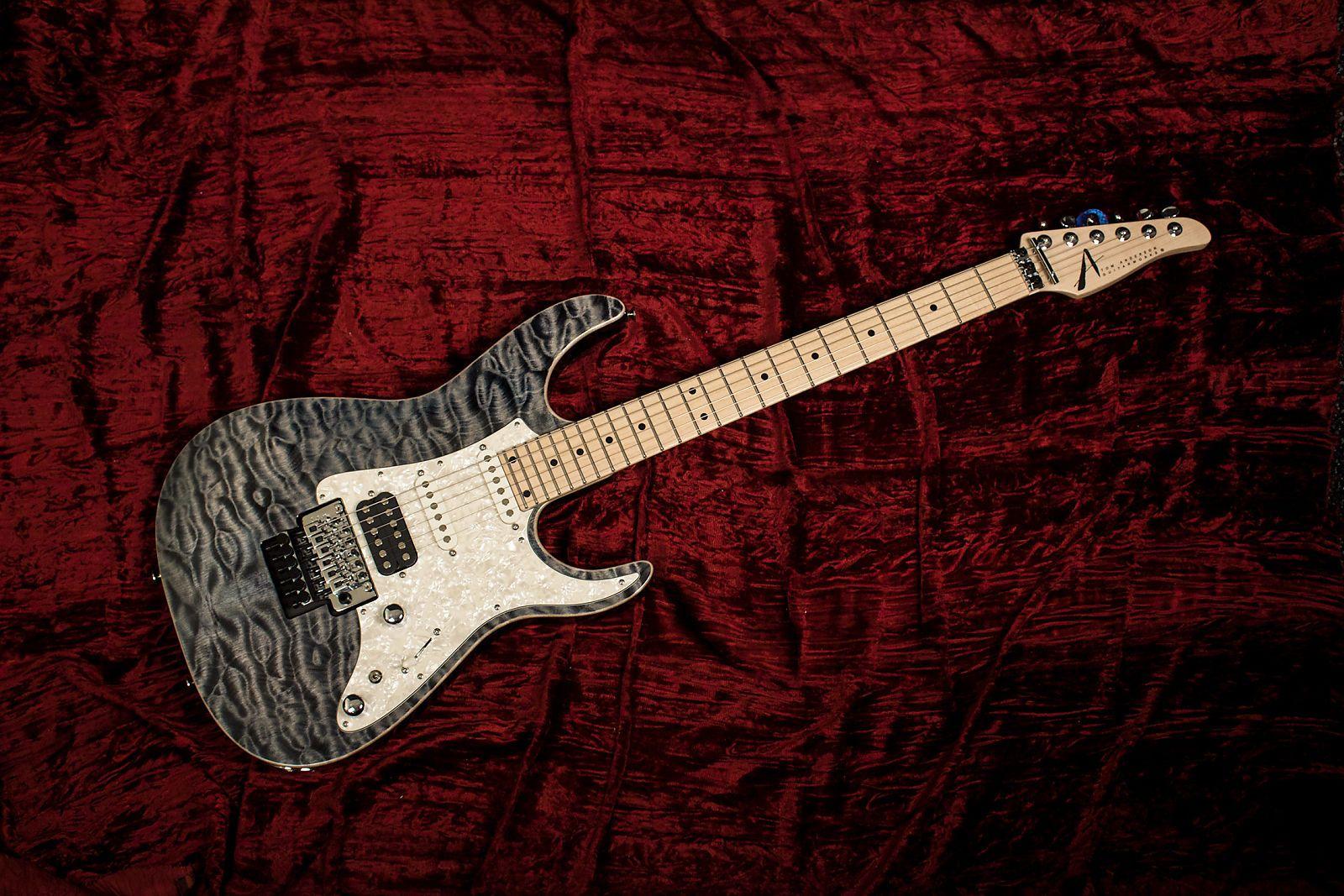 Tom Anderson Guardian Angel Atlantic Storm Electric Guitar Quilt