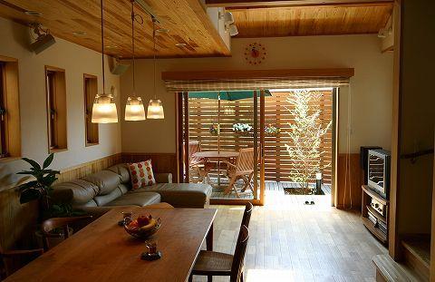 内と外の続き間-江戸のエコと粋を今に活かす和モダンで和風モダンな住宅