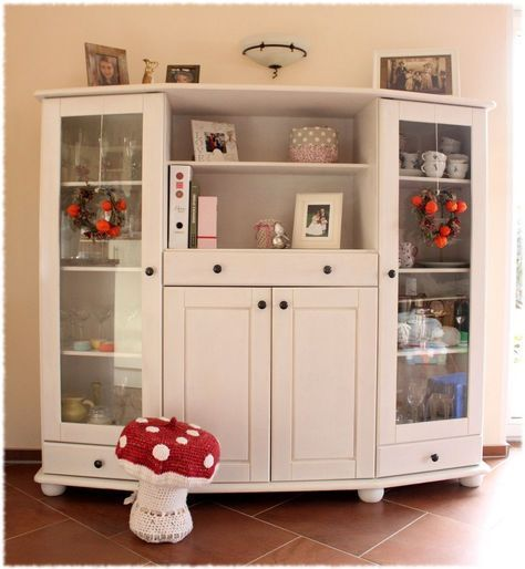 ein schrank wird weiss die vorher nachher show gabi schrank m bel und shabby chic m bel. Black Bedroom Furniture Sets. Home Design Ideas