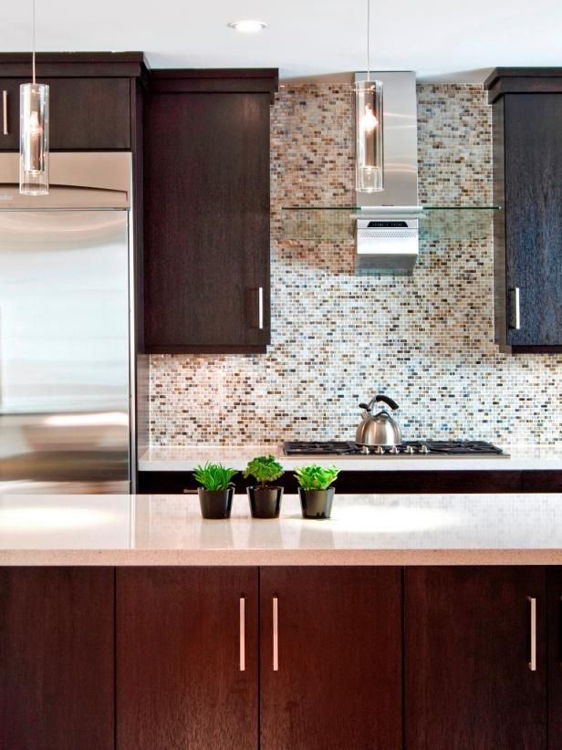 Browse Pictures And Get Expert Tips From This Contemporary Kitchen Remodel  Featuring Quartz Countertops, Lytpus Wood Veneer Cabinetry, Pendant  Lighting On ...