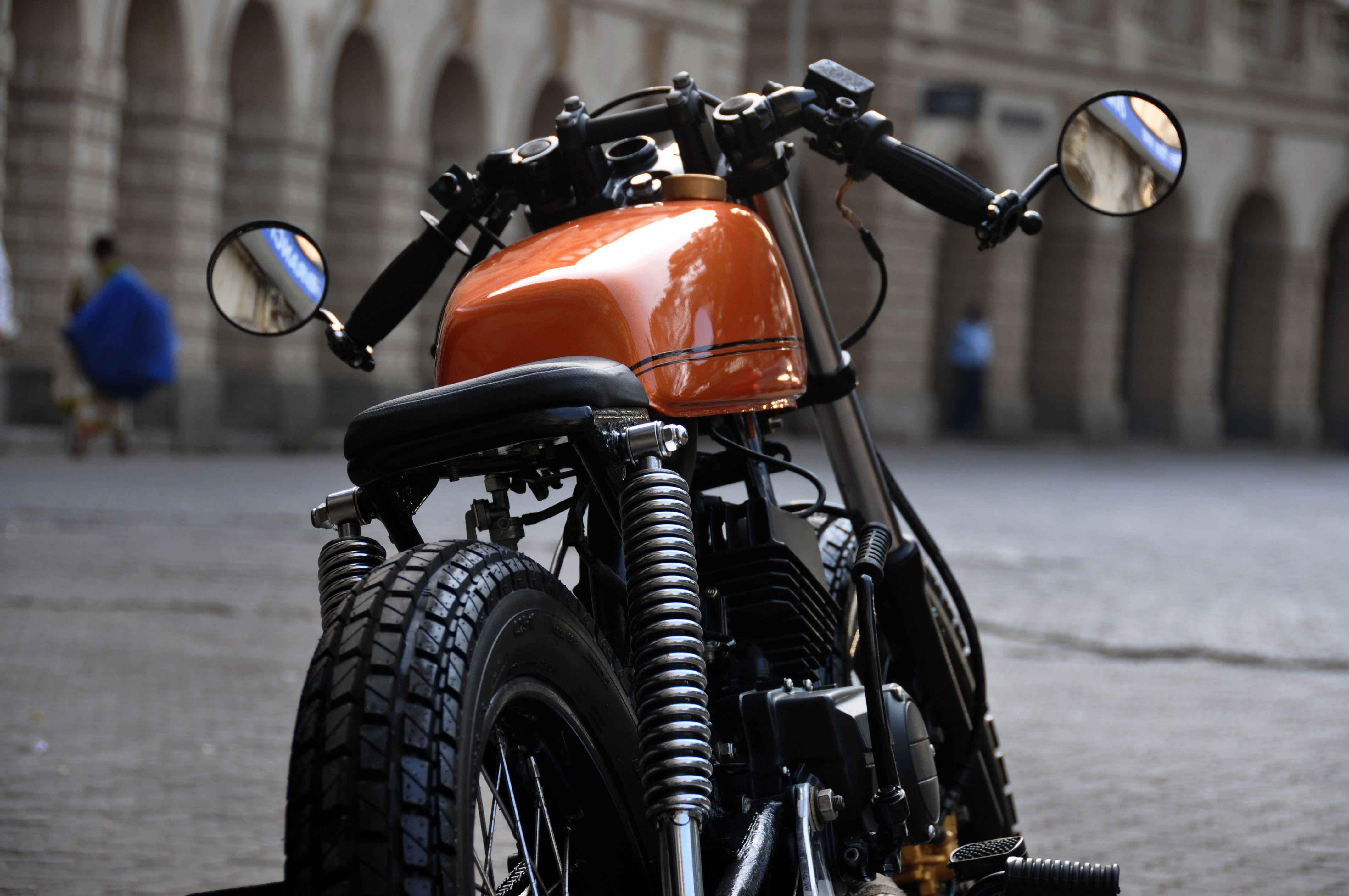 Yamaha motorcycle gloves india -  Yamaha Cafe Racer Basic India Bombay Mumbai Custombikes