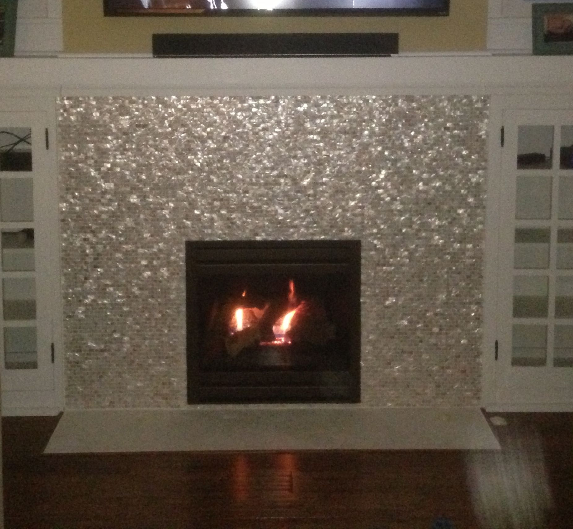 27+ Stunning Fireplace Tile Ideas for your Home | Pearls ...