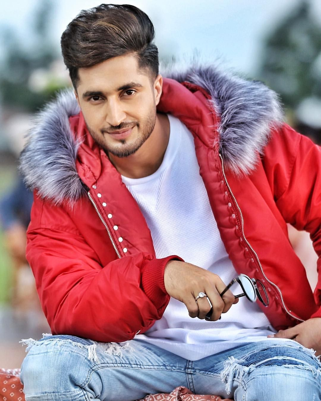 10 Times Jassi Gill Gave Us Major Fashion Goals Songs Lyrics Mint Jassi Gill Jassi Gill Hairstyle Cute Hairstyles For Boys