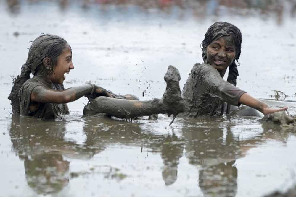 teen-girl-mud
