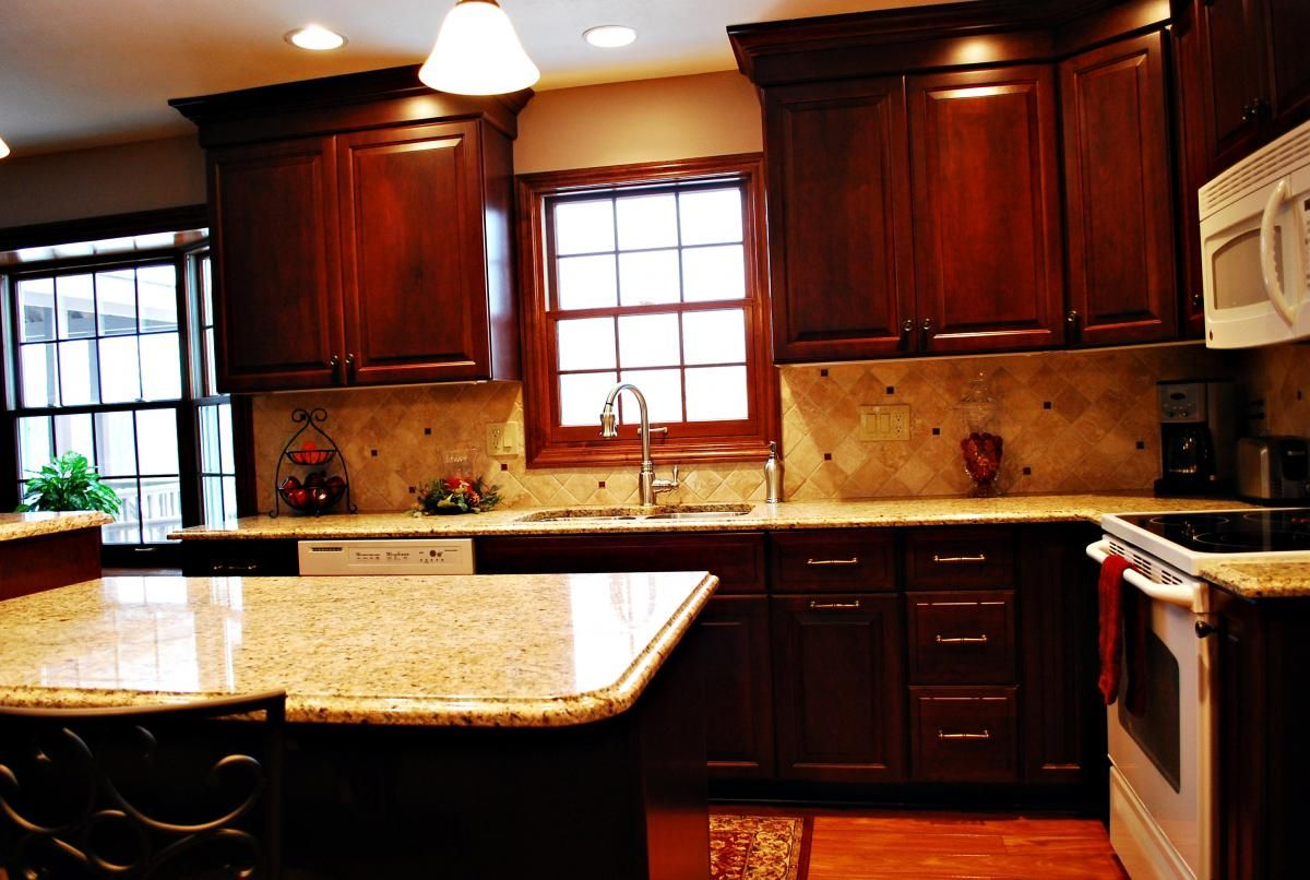 Venetian gold granite & cherry cabinets-this is similar to ... on Backsplash Ideas For Black Granite Countertops And Cherry Cabinets  id=32983