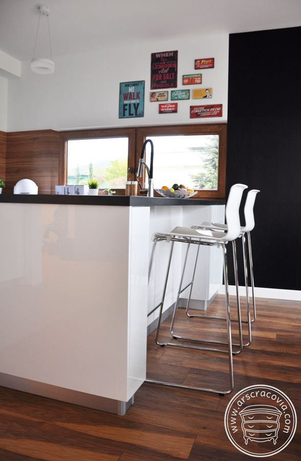 Wyspa Kuchenna Bialy Akryl W Polysku Blat Typu Postforming Home Decor Furniture Home