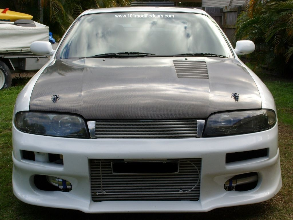 Modified Nissan Skyline R33 GTS-T Turbocharged with Front Mount