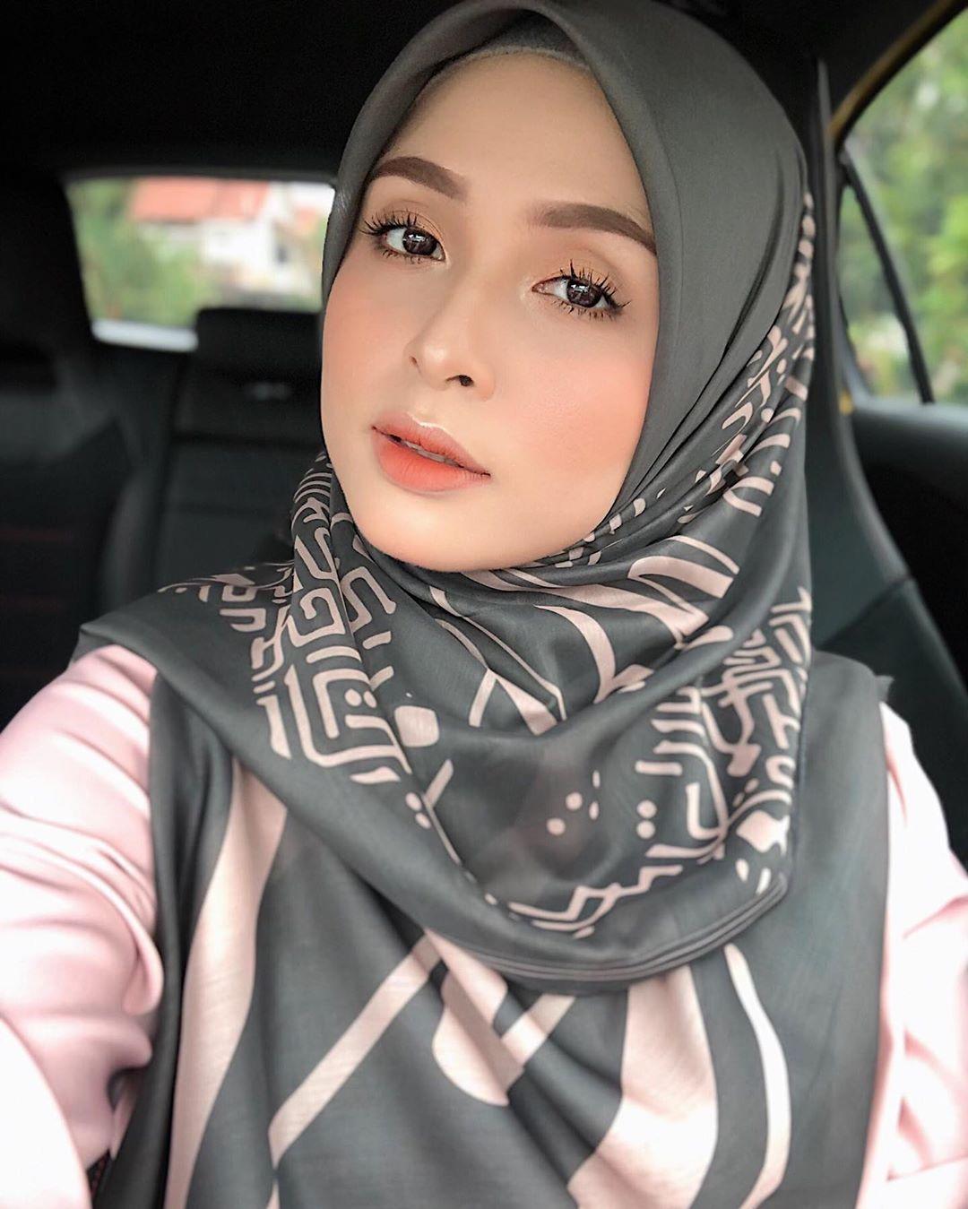 Pin By Aisyah On Beautiful Hijab Style Tudung Selendang Shawl