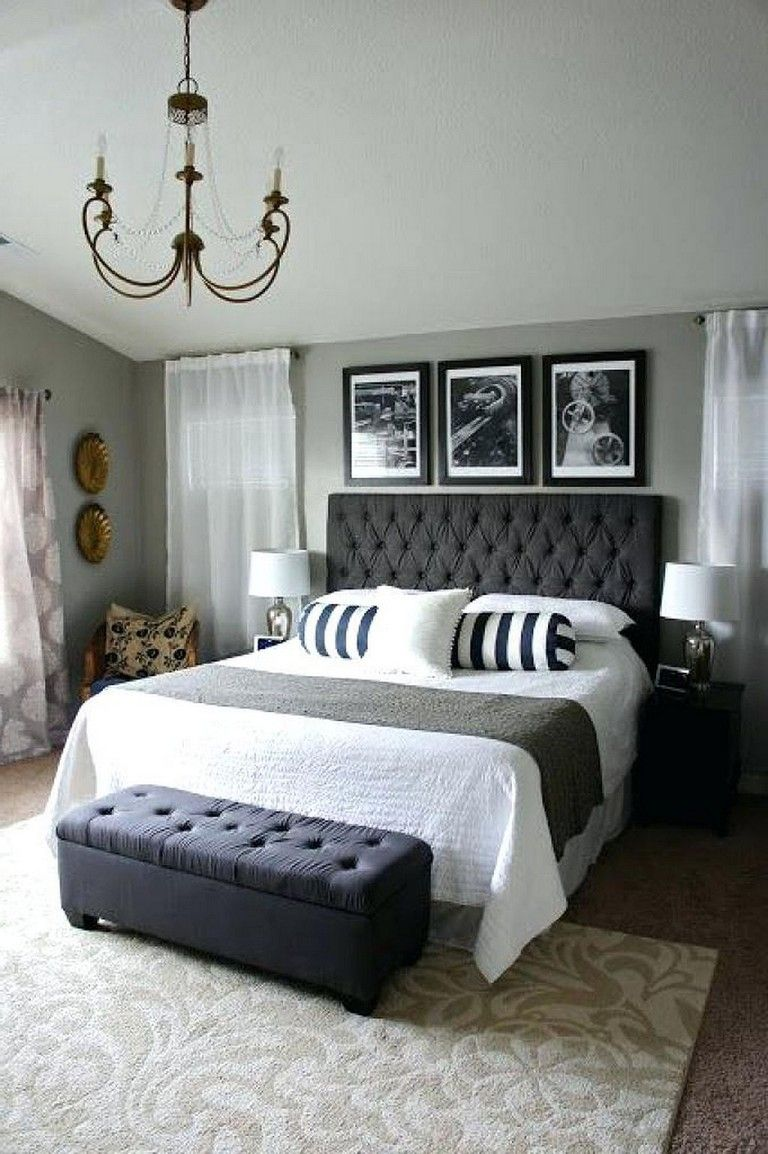20 Cozy Bedroom Decorating Ideas For Couples Bedroom Bedroomdecor Bedroomideas Chic Master Bedroom Master Bedrooms Decor Small Master Bedroom