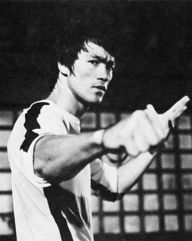 GAME OF DEATH - THE GAME OF DEATH - Bruce Lee and his silent flute