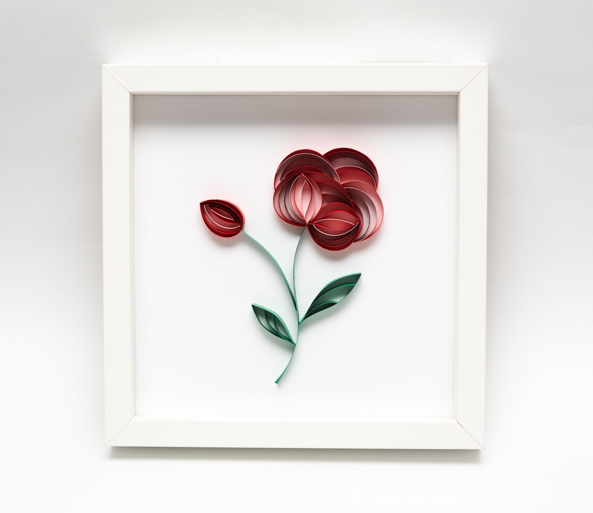 Kwiat Z Papieru Obrazek Z Czerwonym Kwiatem Quilling Dzien Matki Dzien Babci Walentynki Paper Quilling Patterns Art Gift Floral Art
