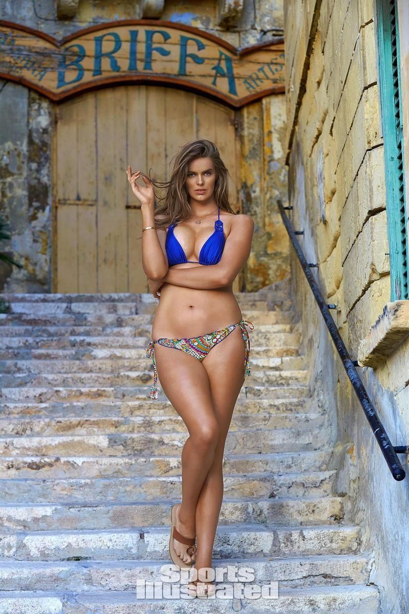 8b15ea80623 Robyn (Sports Illustrated Swimsuit Issue) | robyn lawley | Sports ...