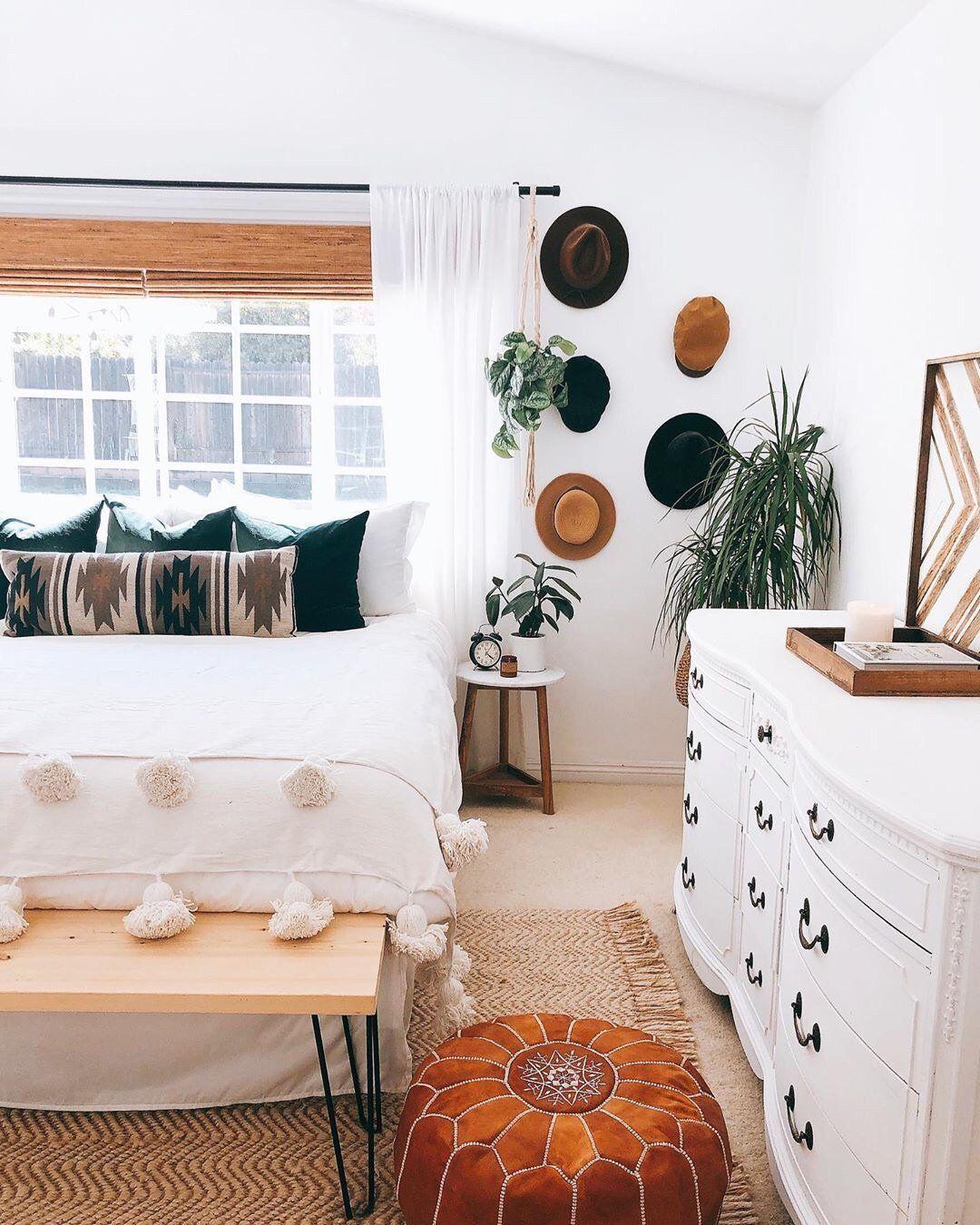Moroccan Pom Pom Blanket - White #bohobedroom