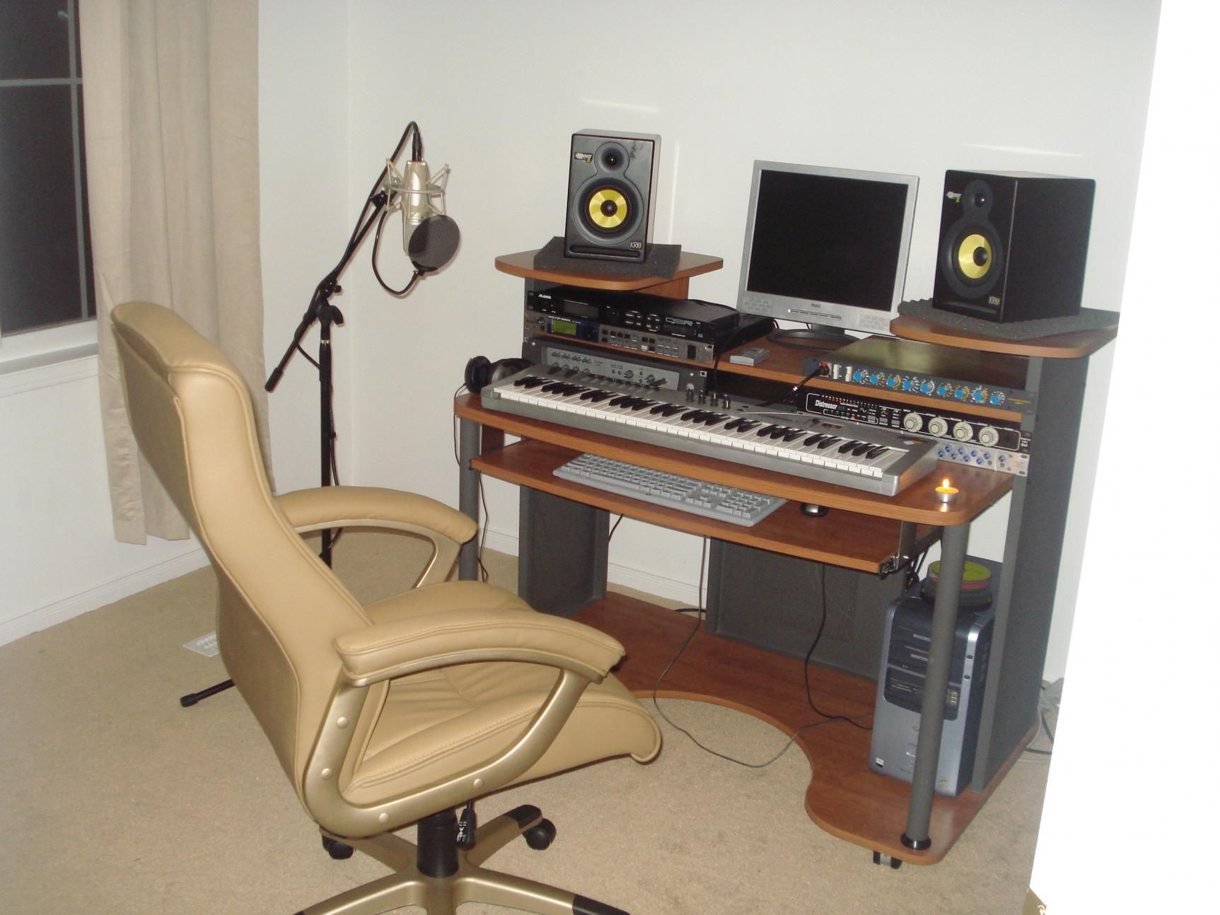 Order now then relax and leave the hard work to us end for Meuble home studio