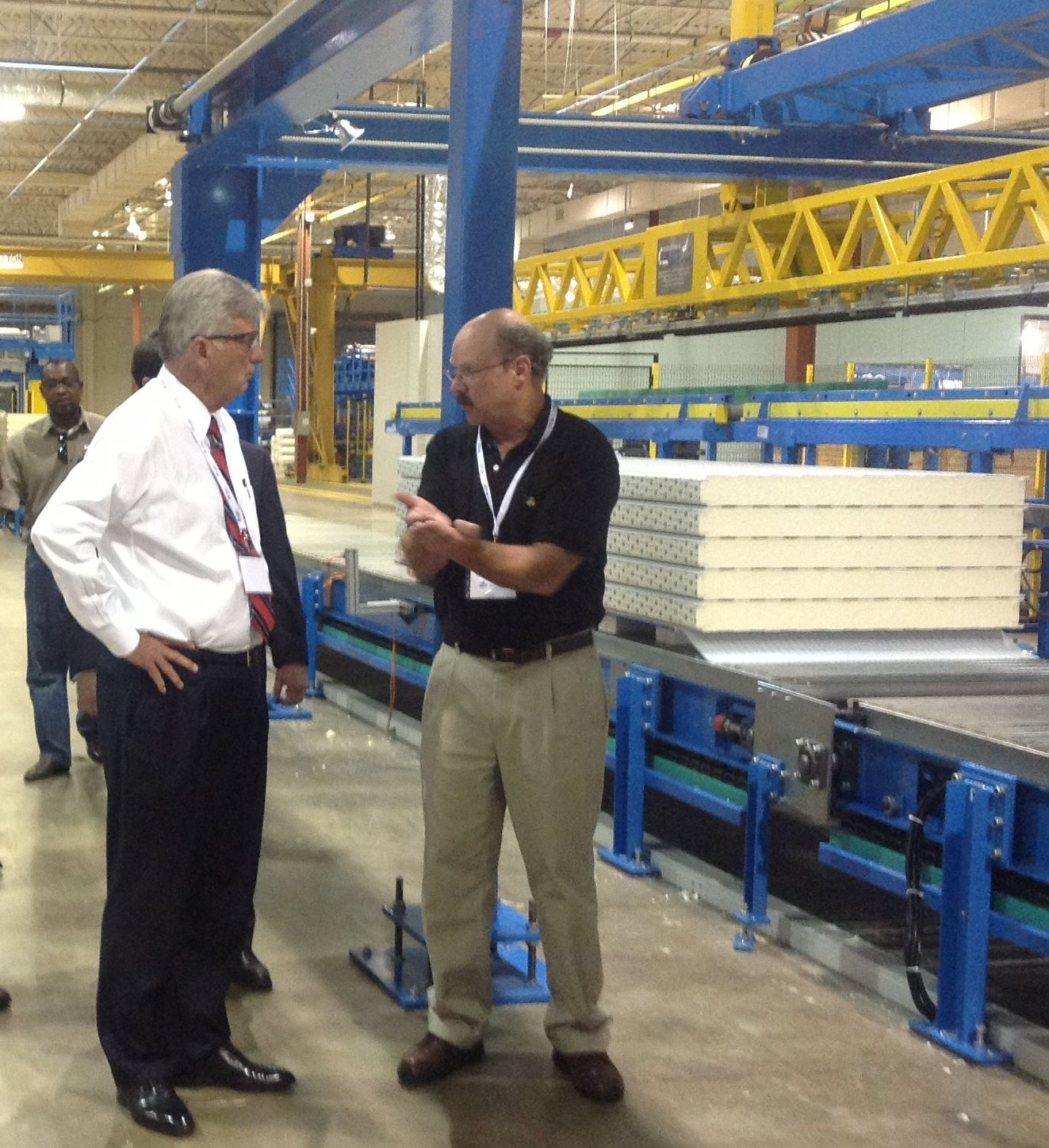 Awip Founder Bill Lowery And Arkansas Governor Mike Beebe In Our Little Rock Plant Insulated Panels Rock Plants Beebe