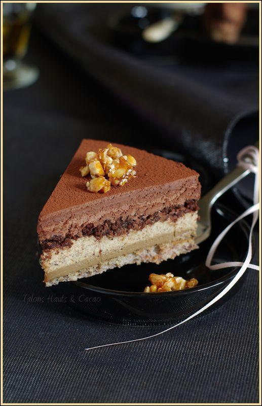 entremets à la noisette, café et chocolat noir un trio plus que