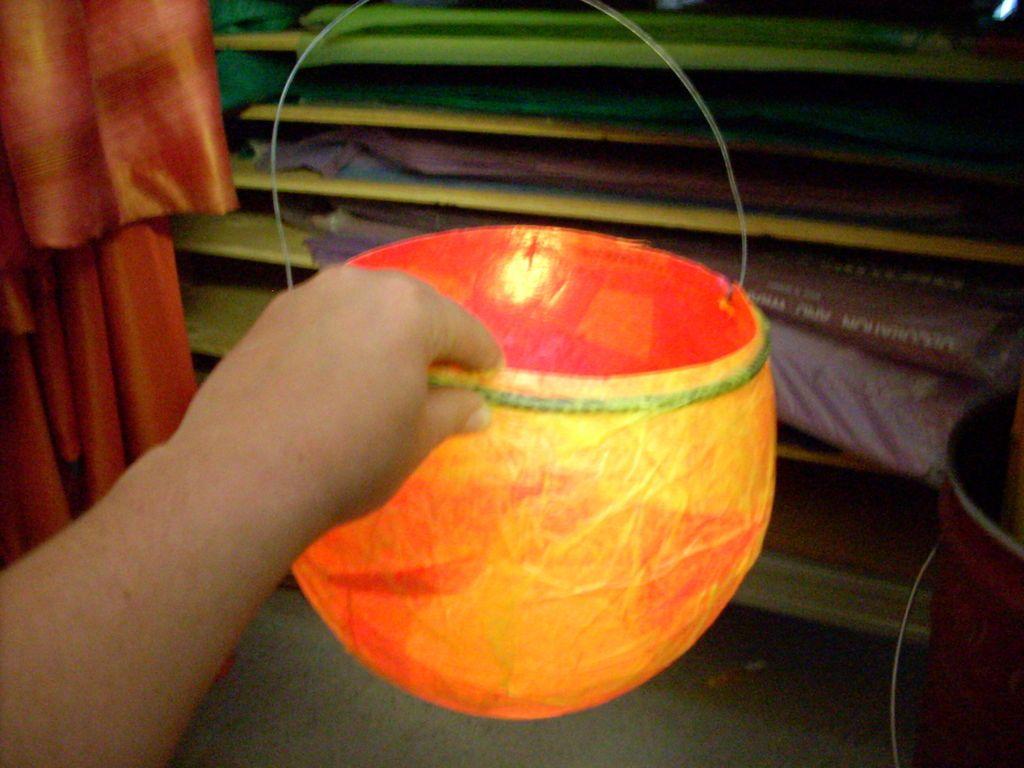 Balloon Lantern Balloon Lanterns Diy Lanterns Lantern Craft