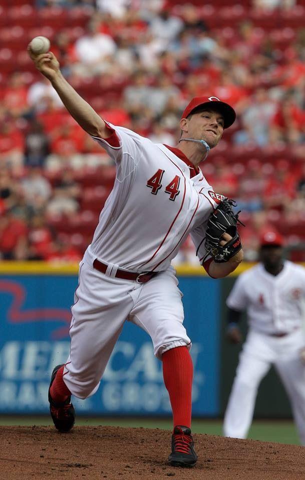 Reds fall to Cardinals. Recap: http://atmlb.com/11ygQHv