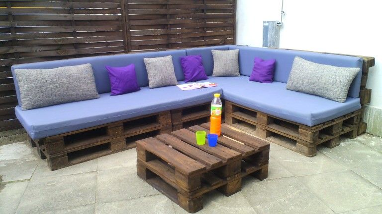 Loungemöbel indoor  Europaletten Lounge Möbel selber machen DIY | DIY | Pinterest ...