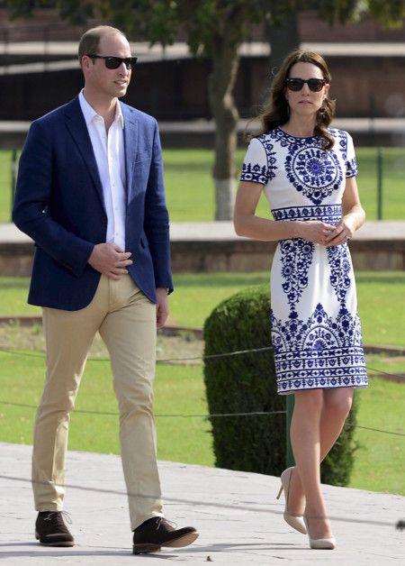 89ed63b311 El elegante look de Kate Middleton para visitar el Taj Mahal ...