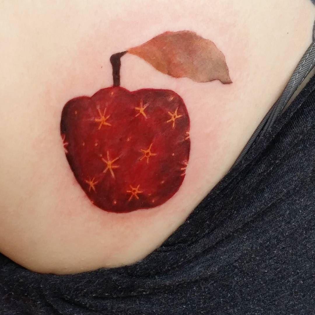 The Fantastic Mr Fox Apple Done Today By Lolotatts Fantasticmrfox Colourtattoo Eikondevice Eternalink In 2020 Sword Tattoo Apple Tattoo Inspirational Tattoos