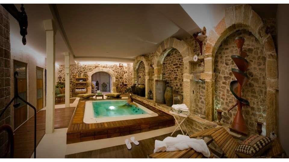 Escapadas Fin De Semana Relax Almarza Con Acceso Al Spa Privado Para 2 Adultos Desde 119 Piscina Cubierta Relax Hotel Con Encanto