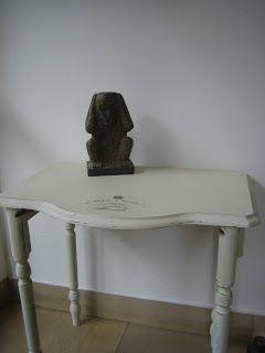 Paperwork: Ein schöner Beistell-Tisch aus Marseille aus dem H...