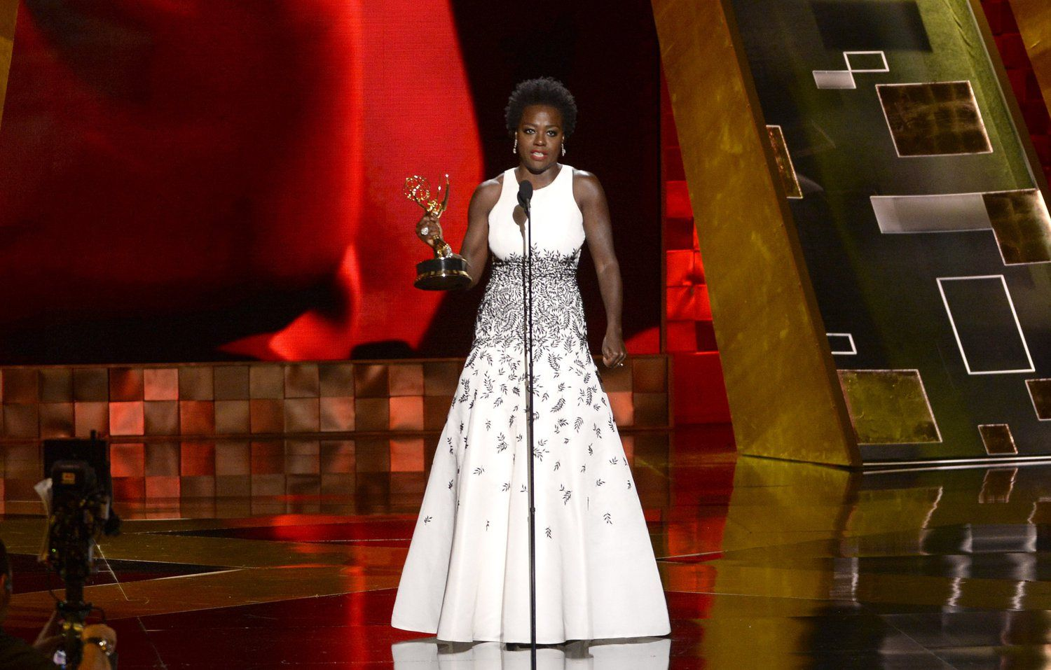 Redefining What Beauty Really Is About- Viola Davis Wins an Emmy | Urban Mommy Inc