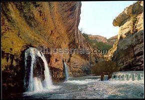 Vista del nacimiento del río Pitarque (Teruel)
