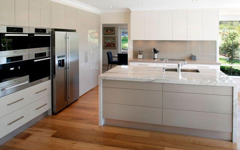 Suelos laminados para cocinas modernas tarima en cocinas pinterest suelo laminado cocina - Tarima para cocina ...