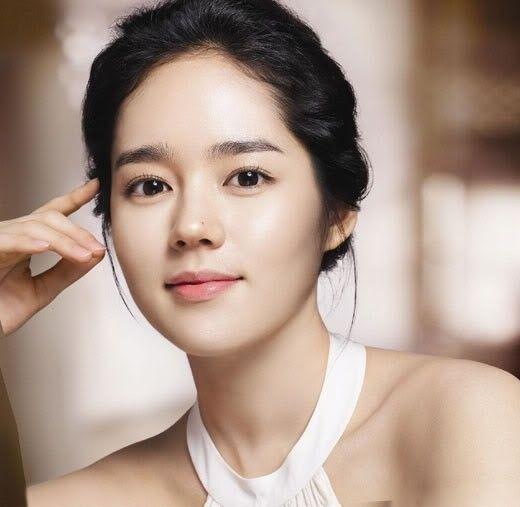 Top 10 Most Beautiful Korean Actresses Korean Beauty Secrets Straight Eyebrows Korean Makeup Look