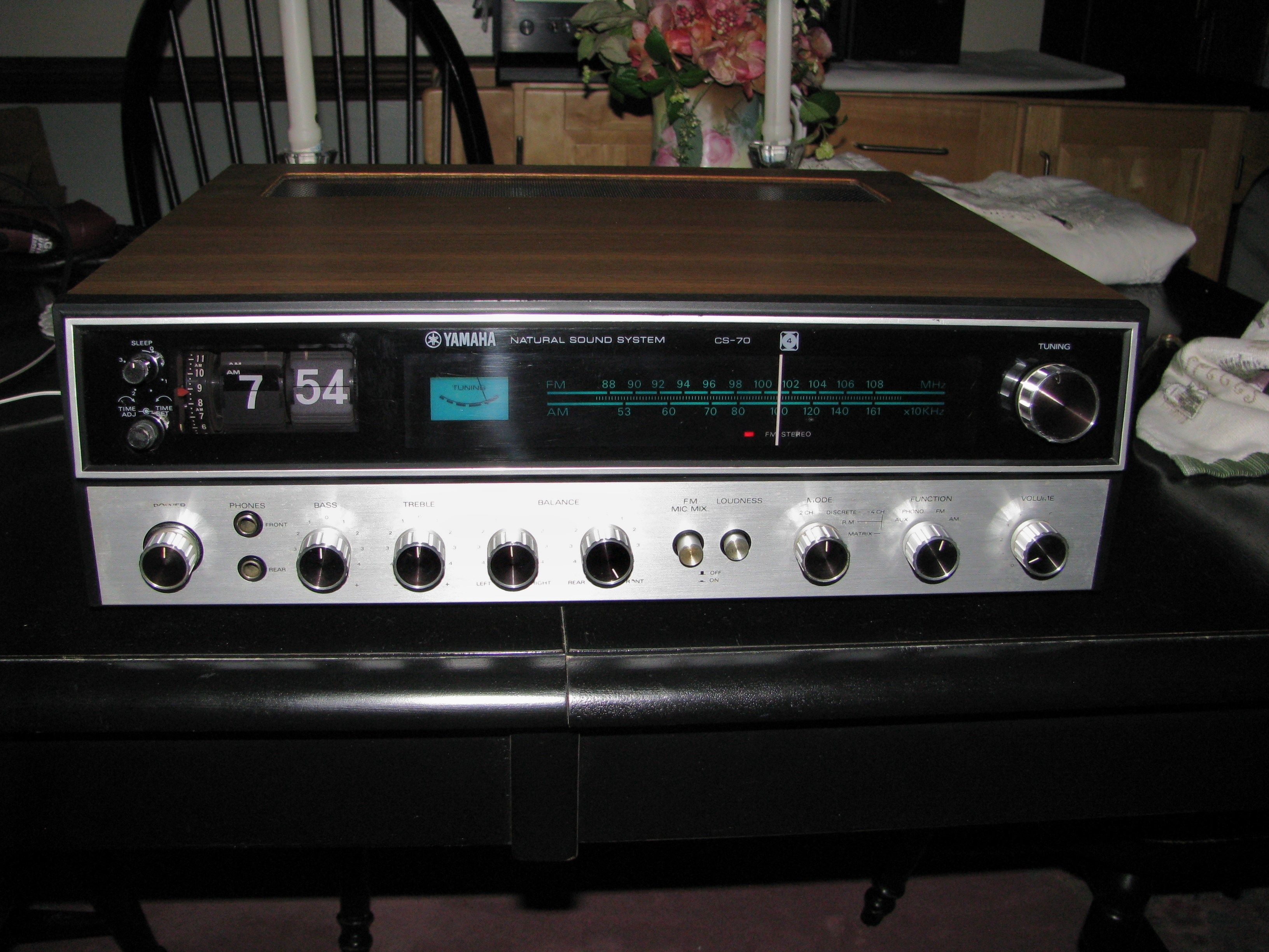 vintage yamaha receiver. yamaha cs-70 am/fm stereo receiver with flip clock. vintage