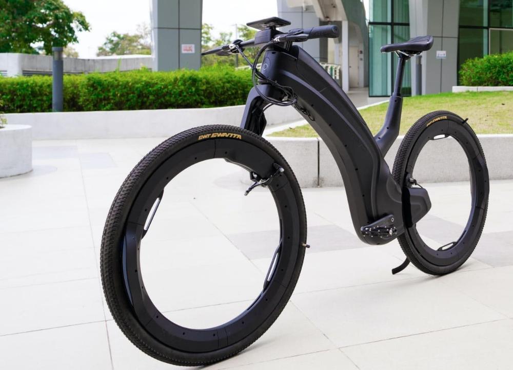 ホイール内には荷物を載せる スポークもハブも無いe Bike Reevo えん乗り 自転車のデザイン 電動アシスト自転車 自転車