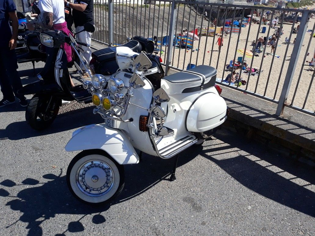 Pin by Brian Preston on bikes Mod scooter, Bike, Scooter
