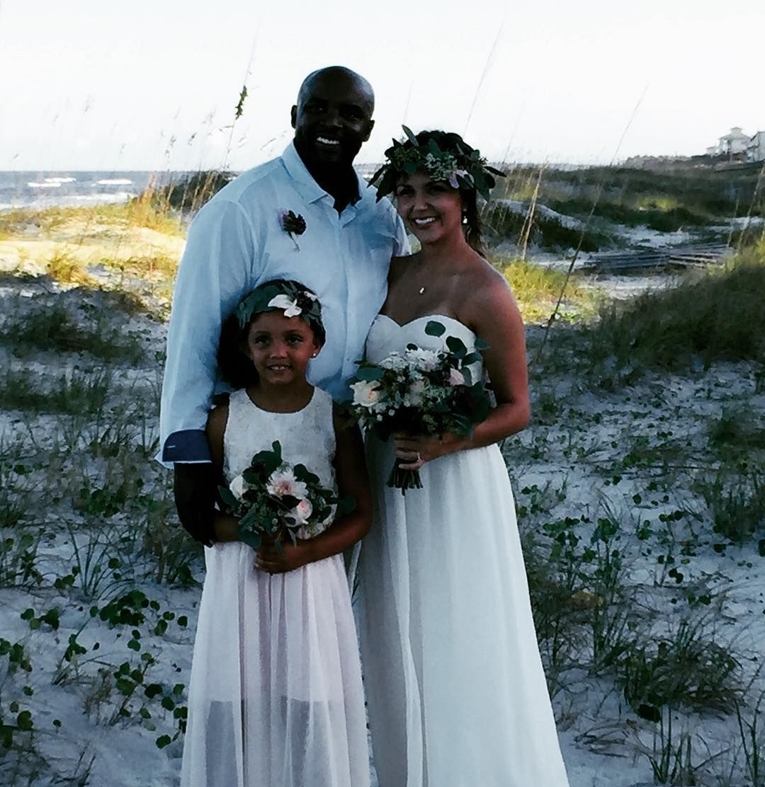 Its a beautiful day for an amelia island beach wedding by its a beautiful day for an amelia island beach wedding by enjoy these behind the scenes photos izmirmasajfo Gallery
