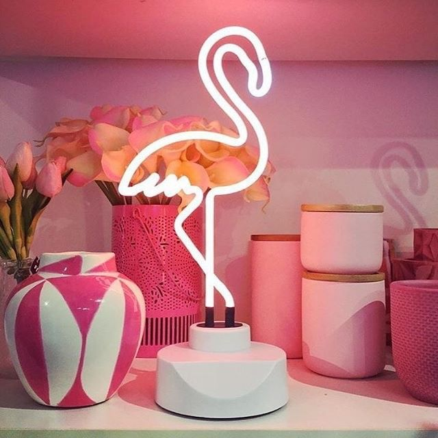 lampe neon flamant rose sunnylife flamant rose pinterest yeux pierre et flamant. Black Bedroom Furniture Sets. Home Design Ideas