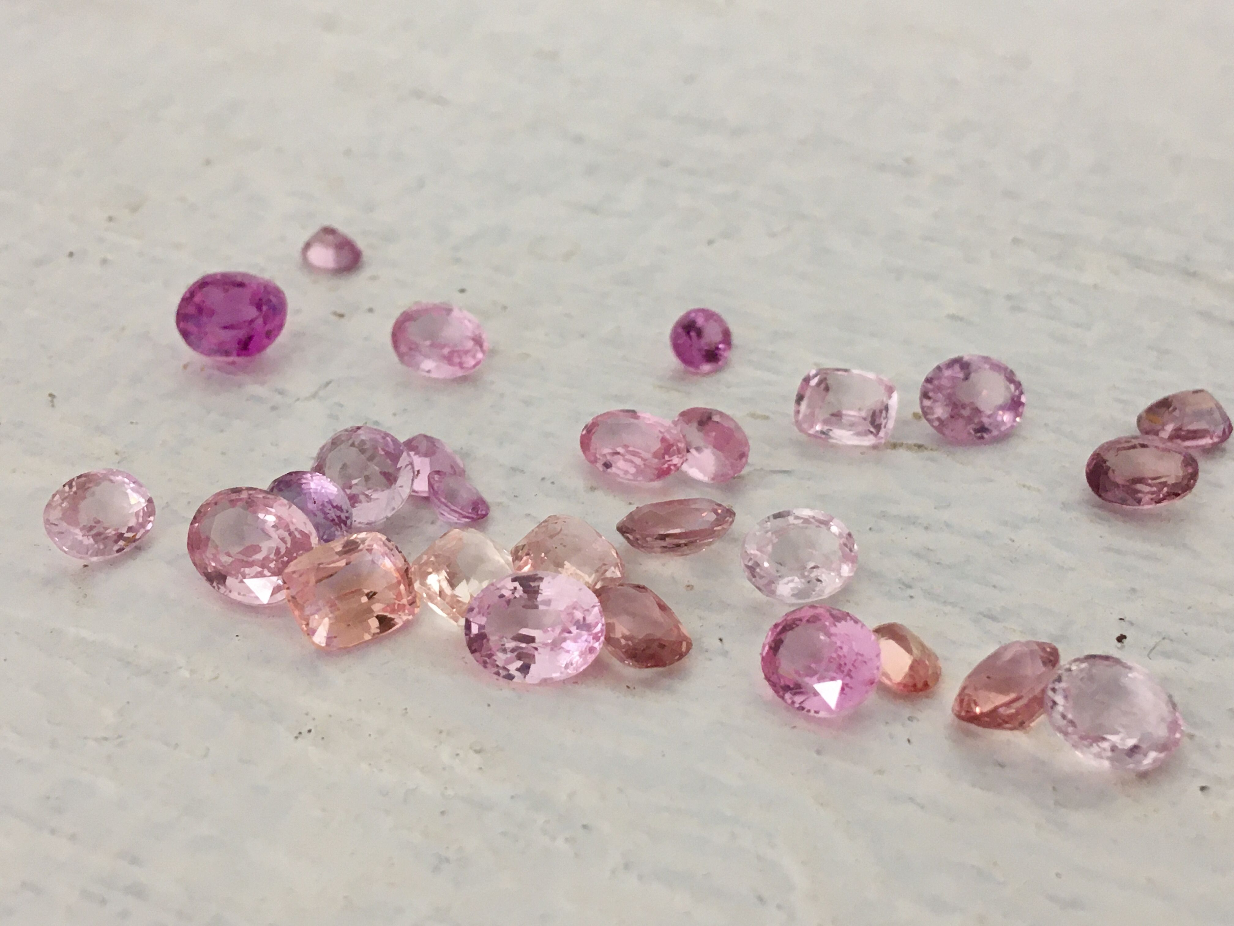 Loose Peach Sapphire Collection