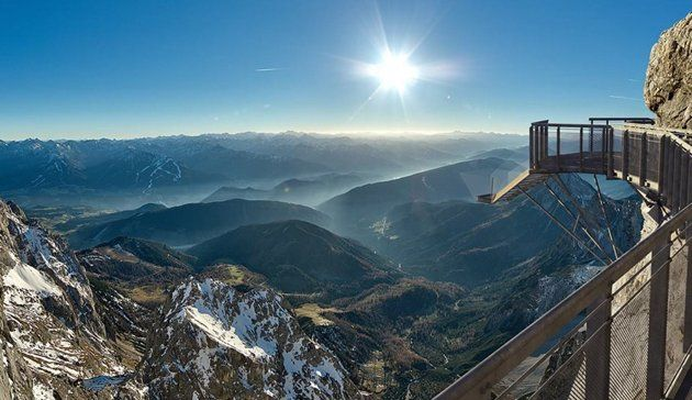 DACHSTEIN GLACIER, AUSTRIA . Glass platform lets daring visitors hover above cliffs - (viaYahoo! Travel)