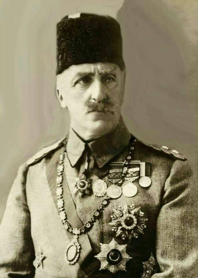 السلطان عبد المجيد الثاني الخليفة العثماني الأخير ولد في 29 مايو سنة 1868 في اسطنبول والده هو الخليفة عبد العزيز Ottoman Empire Ottoman Sultan Ottoman