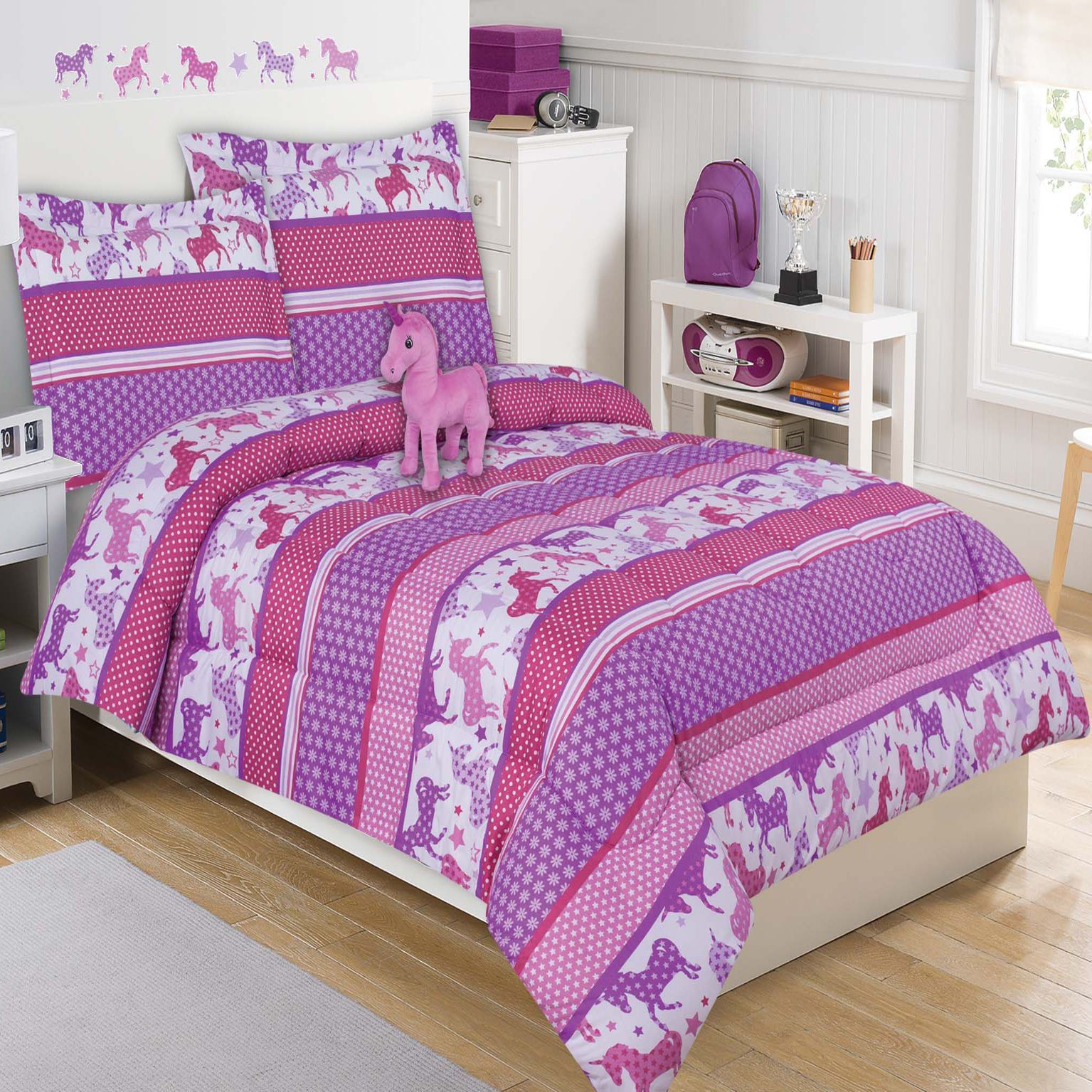 Cute Unicorns With Stars And Flowers Which Bloom Beautifully On