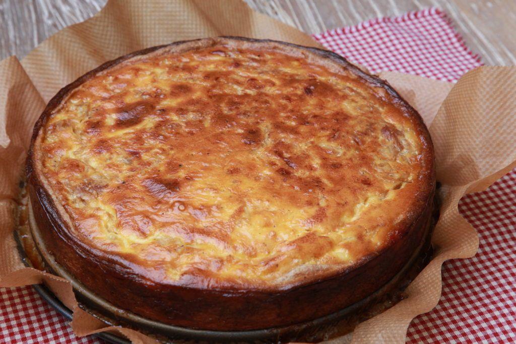 Zwiebelkuchen Der Herzhafte Klassiker Ohne Speck Typisch Heike Zwiebelkuchen Lebensmittel Essen Rezepte