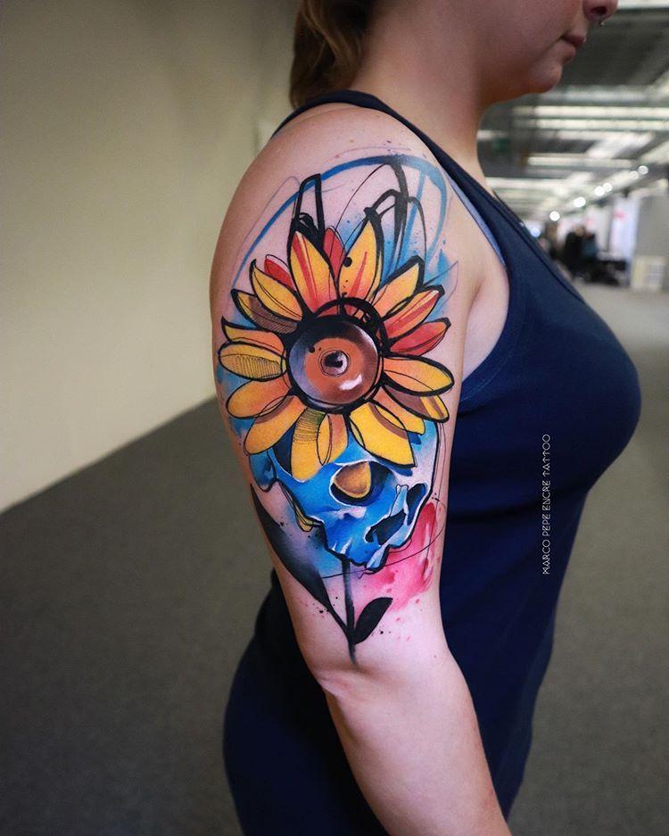 Girasole  Tatuaggio watercolor HardPainting #sunflower #florencetattooconvention Marco Pepe Encre Tattoosponsored @kreativecartridge done @florencetattooconvention #watercolortattoo #tatuaggio #tattoo #lovettt #artoninstagram #tattoodo #thinkbeforeuink #inspirationtattoo #skinart_mag #tattoo2me #radtattoos #tattooersubmission #tattoorandom #tattrx #tattoomobile #tattooselection #equilattera #tattooistartmagazine #tttpublishing #contemporarytattooing #colortattoo #girasole #worldfamousink #sunflo