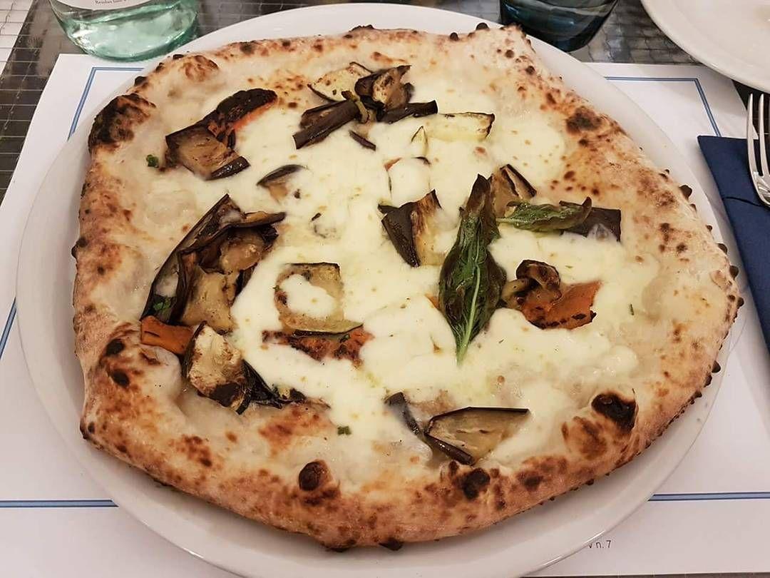 #pizzanapoletana#sansalvariotorino#sansalvario#ristorante#dinner#launch#food#torinofoodporn#milanofoodporn#napolifoodporn#foto#instagram#faschion# http://www.butimag.com/ristorante/post/1485059627879842771_278515437/?code=BSb_d0GDUPT