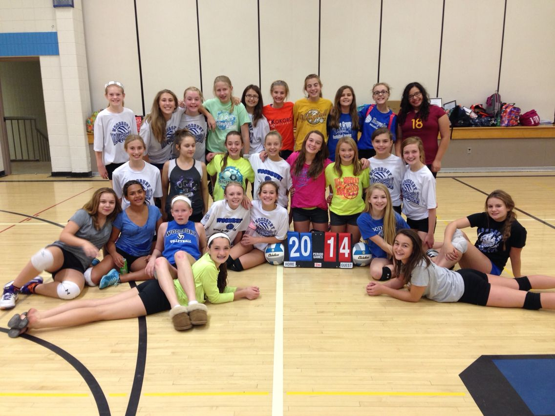 Super Cute Volleyball Team Picture Volleyball Pictures Volleyball Team Pictures Team Pictures