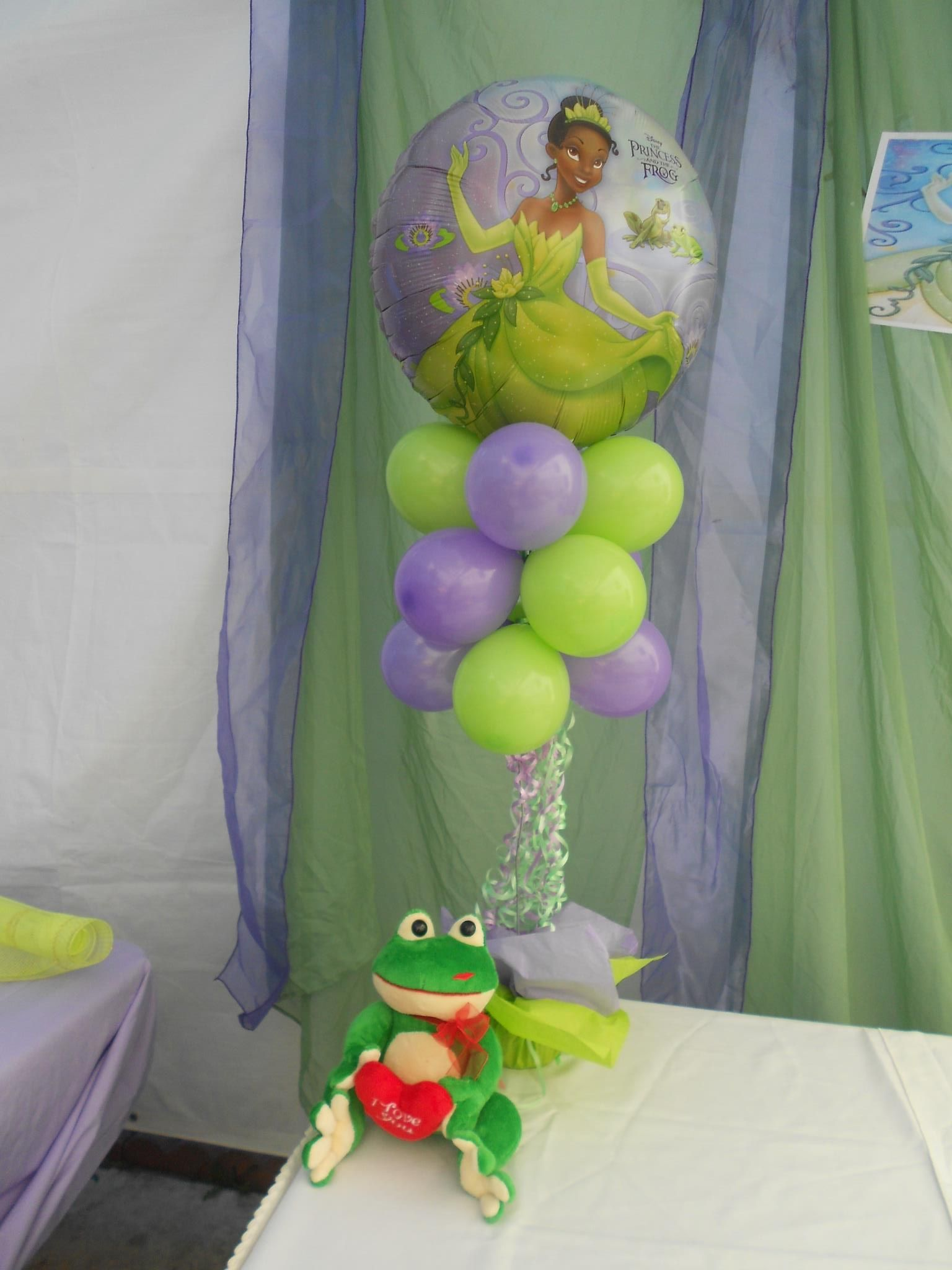 Princess and the Frog Balloon Centerpiece. created by Yola\'s ...